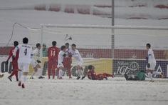 Tổ chức trận chung kết trên mặt sân đầy tuyết