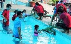 Học cứu người đuối nước với nhánh lá dừa
