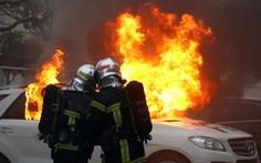 Pháp: 84.000 'Áo vàng' xuống đường tuần thứ 9 liên tiếp