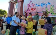 Trao 550 phần quà cho bà con nghèo ở Tây Nguyên