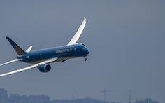 Máy bay Vietnam Airlines bị sự cố hệ thống liên lạc, khách kẹt một ngày ở Paris