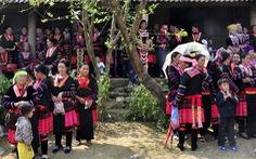 Hội xuân trên dòng Đà Giang
