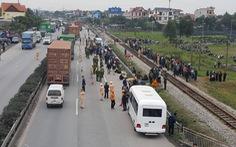 Xe tải tông đoàn người đi thắp nhang nghĩa trang, 8 người chết