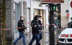 Cướp ngân hàng và tẩu thoát như phim hành động ở trung tâm Paris