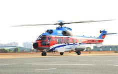 Trực thăng đưa sản phụ từ đảo Sinh Tồn về Khánh Hòa cấp cứu