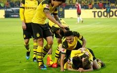 Thắng '5 sao' trước Hannover, Dortmund bỏ xa 'Hùm xám' 9 điểm