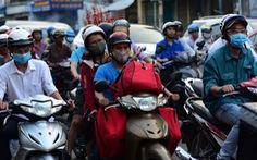 Mới 23 tháng chạp, xe cộ đã đông đặc quanh bến xe Miền Đông