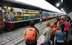 Ngày 26 Tết, khách đi tàu SE8 từ ga Sài Gòn sẽ phải 'lên tàu 2 lần'