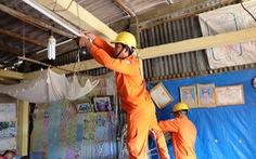 Hơn 8.000 hộ nghèo được thay mới đường dây điện