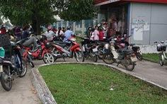 ATM lại trục trặc, Internet banking cũng bị chậm