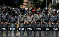 Venezuela bắt giữ 5 nhà báo nước ngoài