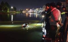 Một phụ nữ chết đuối vì đi xe máy lao xuống hồ trong triều cường