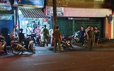 Hai nhóm 40 trai trẻ xáp lá cà giữa phố, 3 tên nhập viện