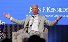 Người Mỹ bình thường 'chỉ làm, không tiêu' 2,8 triệu năm mới giàu bằng Jeff Bezos