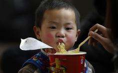 UNICEF: hàng triệu trẻ em suy dinh dưỡng vì lạm dụng thực phẩm tiện lợi
