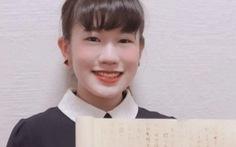 Nữ sinh Nhật Bản nhận điểm tối đa cho bài luận là tờ giấy trắng tinh