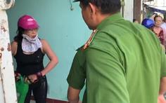 Video: Khởi tố người phụ nữ lăng mạ, đổ xăng lên người công an