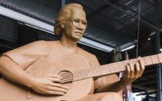 Điều chỉnh tượng nhạc sĩ Trịnh Công Sơn ở biển Quy Nhơn vì... 'hơi mập'