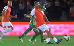 Video Ronaldinho kiến tạo thành bàn tuyệt đỉnh khiến CĐV mãn nhãn