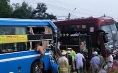 Hai xe giường nằm đối đầu trên đường Hồ Chí Minh, 7 hành khách nhập viện