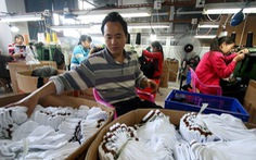 Nghi sử dụng nô lệ, Mỹ chặn quần áo của công ty Trung Quốc