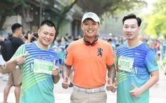 Dàn nghệ sĩ nổi tiếng chạy VPBank Hanoi Marathon ở hồ Hoàn Kiếm