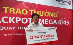 Trao thưởng cho chủ nhân 'không giấu mặt' trúng Vietlott 22,7 tỉ đồng