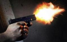 Điều tra vụ nổ súng, chém người trọng thương giữa ban ngày