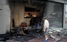 Bảo hiểm Hong Kong mất sạch lợi nhuận 20 năm vì biểu tình và 2 siêu bão