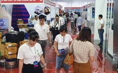 Khu vực phụ trợ của triển lãm ôtô Việt Nam 2019 bì bõm nước