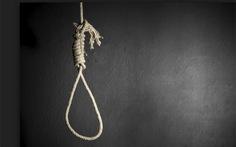 Bi kịch chồng treo cổ trên cây xoài, vợ chết trong phòng ngủ