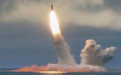 Tàu ngầm tối tân của Nga lần đầu tiên phóng thử tên lửa liên lục địa