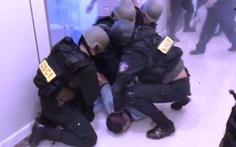 Nghẹt thở dùng quả nổ giải cứu con tin trong tòa nhà cao nhất Sài Gòn