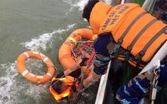 Cứu được 12 người mất tích trên biển do tàu hàng chìm