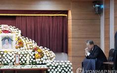 Tổng thống Hàn làm đám tang cho mẹ: cấm cấp dưới chia buồn, gửi hoa viếng