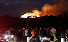 Cháy kinh hoàng tại Di sản thế giới lâu đài gỗ 600 năm tuổi Nhật Bản