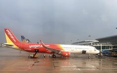 Hãng bay tiếp tục hủy và lùi giờ nhiều chuyến bay