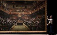 Tranh vẽ Quốc hội Anh như bầy khỉ có giá hơn chục triệu đô