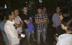 Người dân chở thi thể công nhân vây nhà máy, yêu cầu làm rõ nguyên nhân