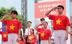 Tái hiện lễ chào cờ lịch sử đầu tiên khi Hà Nội được giải phóng