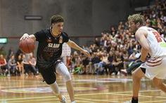 Video chết cười với pha phòng thủ 'tệ hại' ở Giải bóng rổ nhà nghề Úc