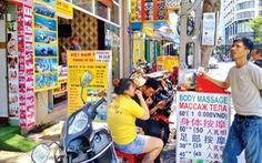 Biển hiệu chữ Trung Quốc vi phạm: Phạt nhiều nhưng 'chưa ăn thua'