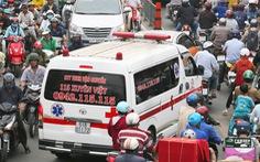 Người nước ngoài thắc mắc: 'Sao không chịu nhường đường cho xe cấp cứu?'
