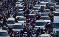 Ngã tư Hàng Xanh, đường Nguyễn Hữu Cảnh kẹt cứng suốt 3 giờ liền