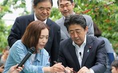 Thủ tướng Nhật 'lội ngược dòng': Đừng xem nhựa là kẻ thù!
