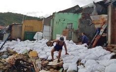 Làm khẩn cấp 900m kè biển bị sóng cuốn trong bão để bảo vệ 111 hộ dân