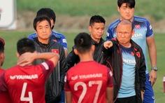HLV Park Hang Seo cấm tuyển thủ trả lời báo chí trước trận gặp UAE