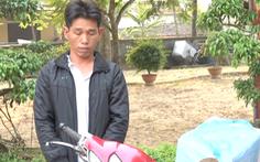 Video: Vận chuyển trái phép 1000 kíp nổ bằng xe gắn máy