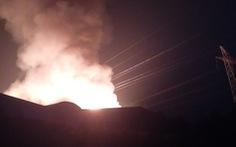 Cháy công ty kéo sợi gây đứt đường dây điện cao thế