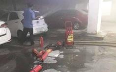 Ôtô cháy trong hầm chung cư, dân tháo chạy tán loạn trong đêm